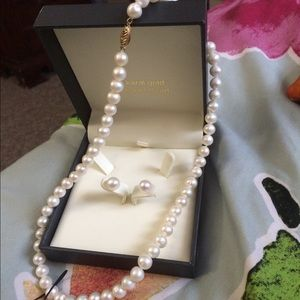 14k gold pearl set new in box